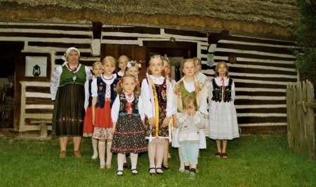 Zespół przed muzeum, fot. A. Wielocha